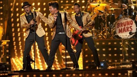 Bruno-Mars-Dancing
